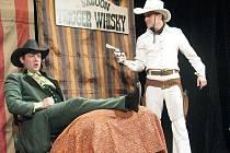 Limonádového Joe pojali herci Hoffmannova divadlo jako volnou kabaretní show.