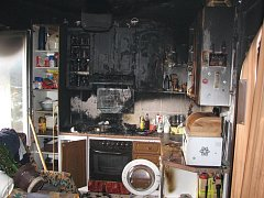 Požár kuchyně zapříčinilo zapomenuté jídlo na sporáku.