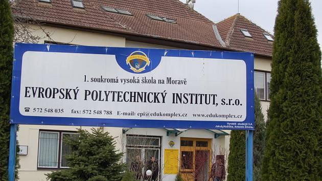 EPI je první soukromou vysokou školou na Moravě, teď ji bývalí vyučující navrhují do insolvence.