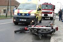 V Uherském Brodě - Těšově došlo ke střetu osobního auta zn. Kia a motocyklu zn. ČZ.