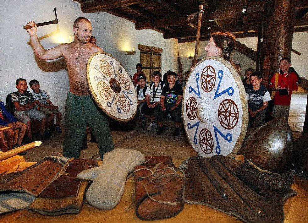Archeoskanzen Modrá: Život na Velké Moravě