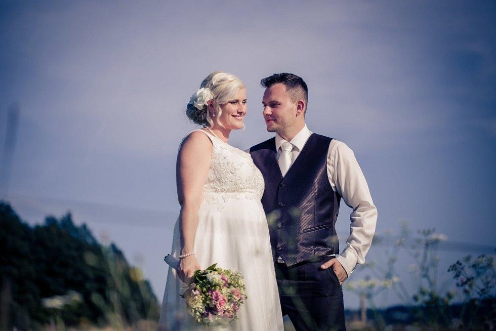 Soutěžní svatební pár číslo 259 - David a Eva Michalíkovi, Zlín-Malenovice.