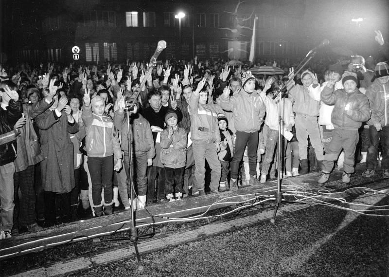 Sametová revoluce, 1989.