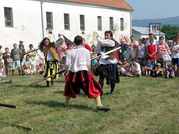 Sváteční víkend v Bánově nabídl zábavu pro děti i dospělé.
