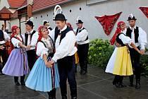 Areál Muzea myslivců a pytláků Na Mýtince v Babicích žil v sobotním podvečeru a večeru folklorem.
