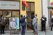 Odhalení pamětní desky malíři Jožovi Úprkovi na domě č. p. 27.  v uherskohradišťské Nádražní ulici