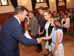 V Hradišti opět rozdávali mezinárodní certifikáty anglického jazyka