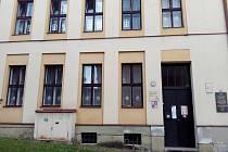 Na sídlišti Židovna sídlí pouze první stupeň, vedení školy by chtělo oba pohromadě.
