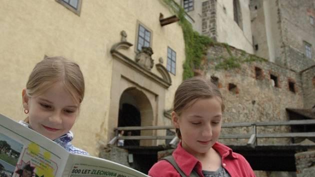 Děti a jejich dospělí pomocníci představili svůj časopis Buchlover na hradě Buchlově.