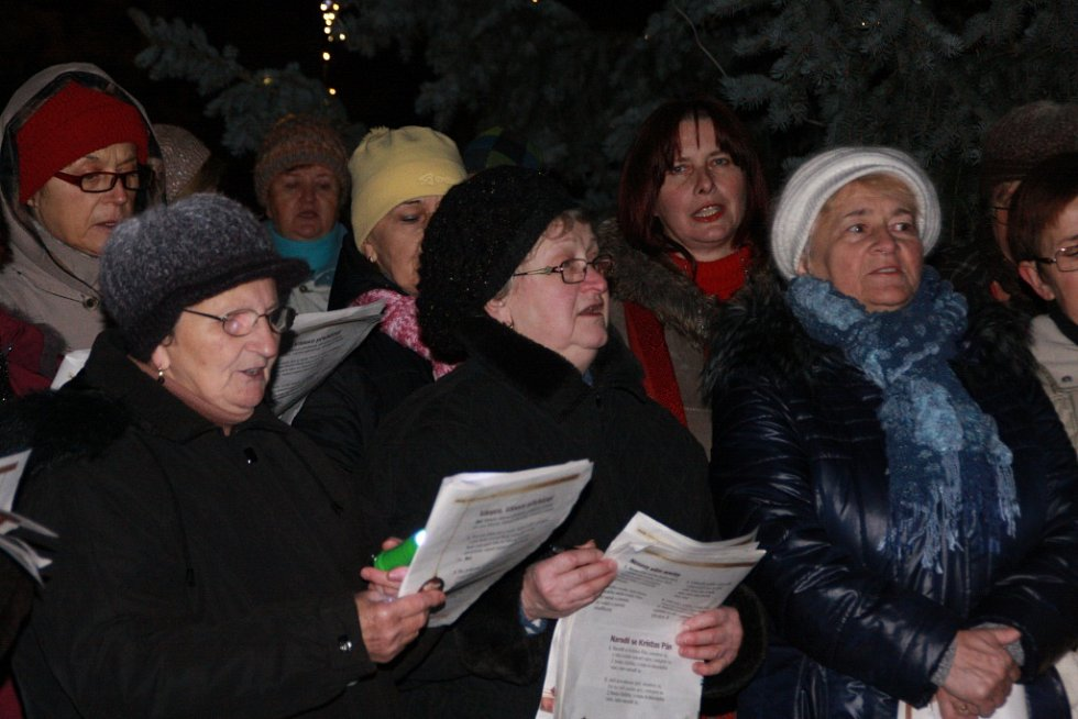 Největší celorepubliková akce Česko zpívá koledy se uskutečnila také v Bánově.