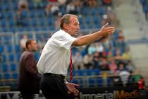 Fotbalisté Slovácka se místo boje o postup topí v problémech, mise trenéra Jurkemika je zatím neúspěšná.