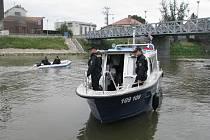 Policisté se vydali zkontrolovat kapitány a jejich plavidla. Ilustrační foto.