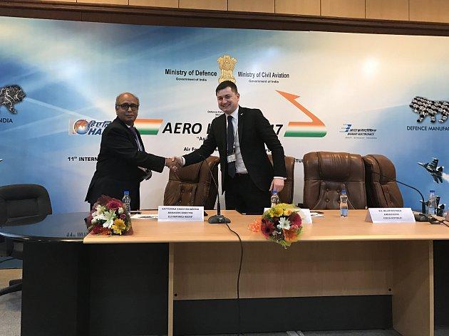 Založení obchodního partnerství na indickém trhu oznámila Ray Service ze Starého Města. Ta 15. února slavnostně podepsala se skupinou Elcomponics India dohodu o joint venture – založení obchodního partnerství ELCOMPONICS RAY SYSTEMS INDIA (zkrácěně EL RAY