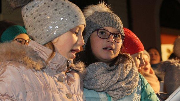 Česko zpívá koledy v Uherském Hradišti na Masarykově Náměstí