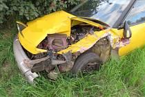 Řidič Mazdy zřejmě nedával pozor a také nedodržel bezpečnou vzdálenost za před ním zpomalujícím superbem. Tak se stalo, že do něj zezadu narazil.
