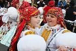 V ulicích Kudlovic se zpívalo i tancovalo.