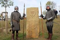 Dolní Němčí Odhalení památníku Lucké pole  V Dolním Němčí v pátek 28. října odhalili slavnostní památník k devítistému výročí bitvy na Luckém poli.