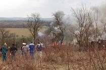 Požár haraburdí v Jarošově