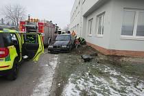 Řidič BMW srazil cyklistu, který po kolizi zemřel.