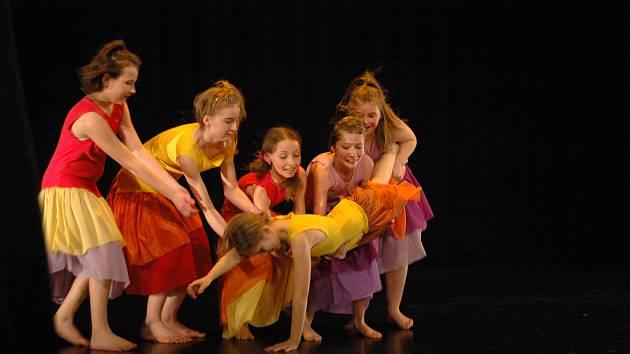 Žáci uherskohradištěké ZUŠ, obor tanec, představili svoje umění.