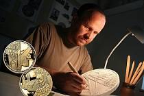 Zbyněk Fojtů. Podkladem pro zlatou i stříbrnou ražbu se stal model, který výtvarník nejprve vyrobil ze sádry.