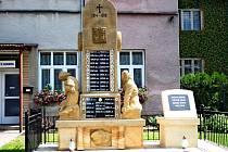 Památníky padlých v Babicích se dočkaly omlazovací kúry