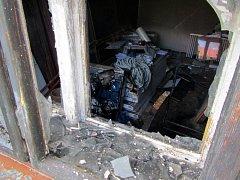 V Babicích museli hasiči zasahovat u požáru jedné z místností rodinného domu, který způsobila závada na notebooku.