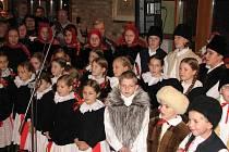 Soubor Děcka z Buchlovic rozproudil návštěvníkům muzea krev v žilách