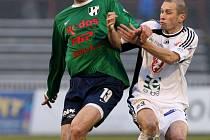 Po spoustě branek nastřílených za Určice se útočník Petr Vodák (vlevo) začíná prosazovat i v profifotbale.