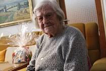 Veronika Starobová vzpomíná v dobrém především na Baťu. Dnes žije ve Strání se svým synem a snachou.