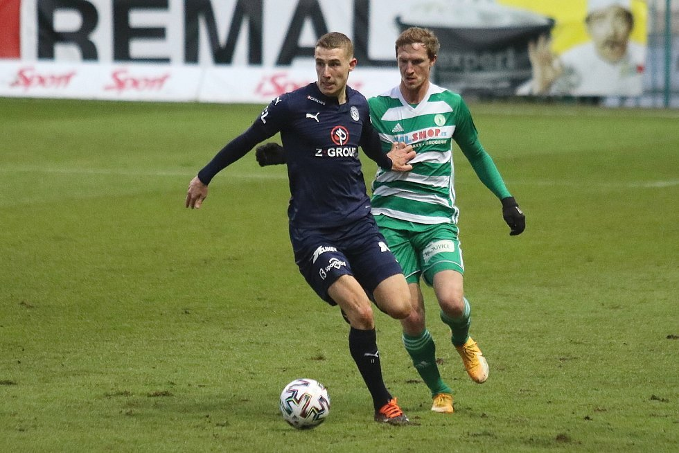 Fotbalisté Slovácka (v modrých dresech) v 16. kole FORTUNA:LIGY zvítězili v Ďolíčku nad pražskými Bohemians 1905 3:1.