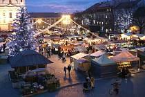Vánoční trh na náměstí v Uherském Hradišti. Ilustrační foto