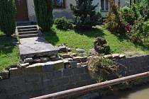 Následky povodně v Bystřici pod Lopeníkem po týdnu ještě zcela neodstranili.