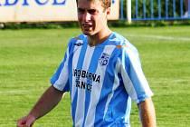 Bronislav Šálek vedle trénování stále aktivně hraje.
