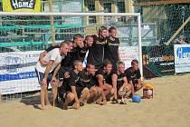 Imperial Media, vítězové plážového turnaje ve fotbale.