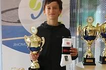 Tenista Josef Zapletal z Tenis Slovácko byl dvakrát bronzový na krajském přeboru.