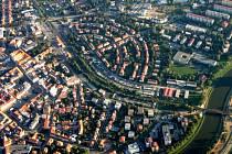 Letecký pohled na Uherské Hradiště. Ilustrační foto.