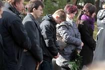 Pohřeb E. Š.ve smuteční síni na hřbitově v Uherském Brodě.