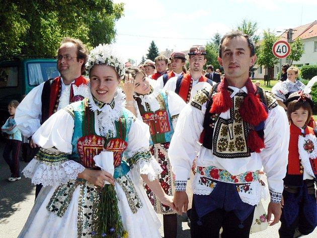 Své ano si řekli 7. července v nivnickém kostele svatých Andělů strážných Veleťaňák Vít Orlovský a Nivničanka Michaela Trojáková.