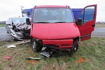 U Kostelan nad Moravou se ve čtvrtek 3. března ráno střetla dodávka s osobním vozem.