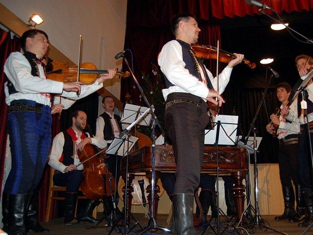 Cimbálová muzika Stanislava Gabriela.