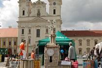 Kostel sv. Františka Xaverského měl na náměstí svou zmenšeninu.