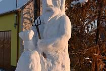 Sněhový čert měl skoro dva a půl metru.