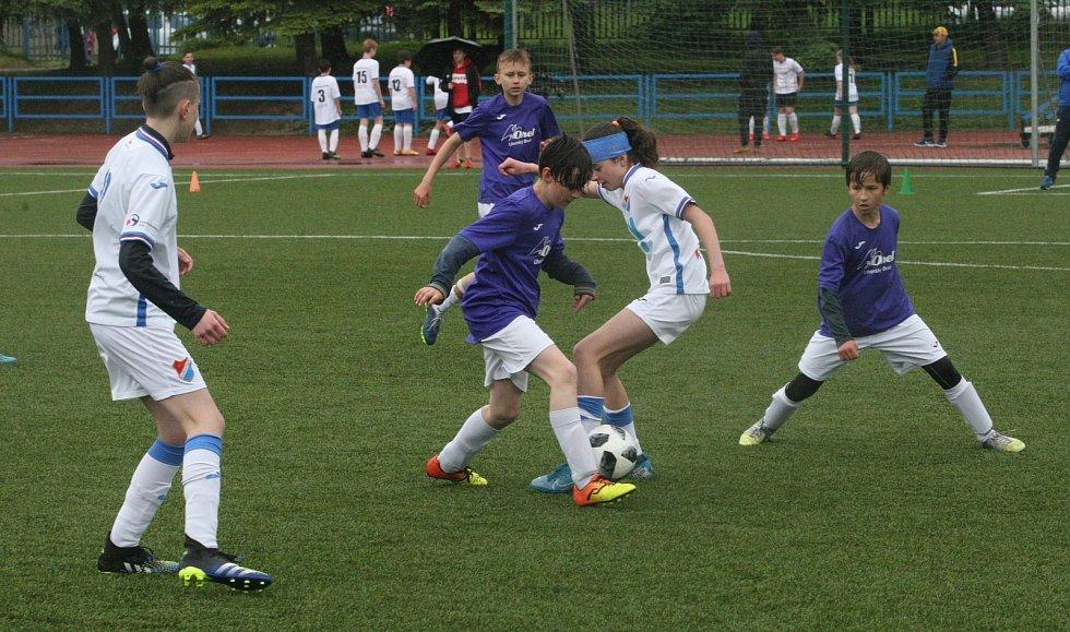 Hned patnáct žákovských týmů se představilo na sobotním fotbalovém turnaji v Uherském Brodě.