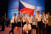 Český tým z chemické olympiády ve vietnamské Hanoji přivezl již pošesté v řadě čtyři medaile.