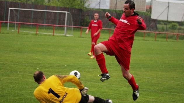 Gólman Traplic Jiří Vávra sice od Mařatic dostal tři góly, když ho nejprve z penalty překonal Miroslav Kroča, vedle toho ale domácím zlikvidoval několik šancí.