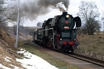 Parního stroje se dočkali také v Hostětíně, kde v sobotu vlak také zastavil.