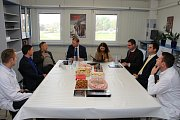 Do společnosti na výrobu masných a uzenářských pochutin VOMA sídlící v Uherském Brodě zavítal místopředseda vlády Pavel Bělobrádek (KDU-ČSL).