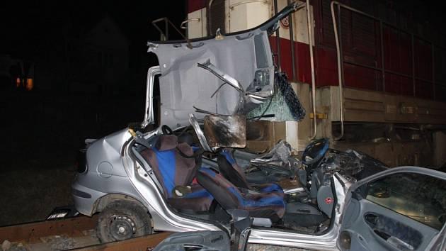 Vážná dopravní nehoda zastavila provoz na trati Staré Město-Uherské Hradiště.