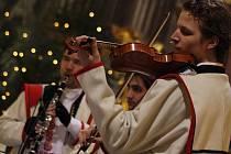 Koncert cimbálové muziky Stanislava Gabriela z Babic